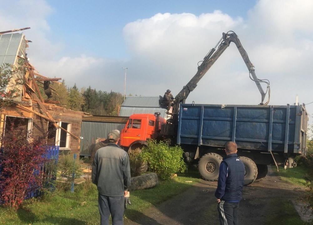 Снос домов ломовозами